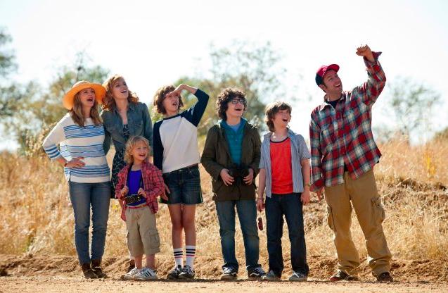 Una comedia familiar sobre una mezcla familiar.  Foto: David Bloomer / Warner Bros. Entertainment.
