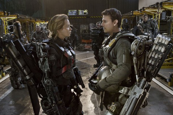 "Emily Blunt y Tom Cruise protagonizan ""Edge of Tomorrow"".  Foto: David James/Warner Bros."