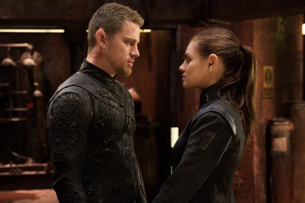 "Channing Tatum y Mila Kunis en ""Jupiter Ascending"".  Foto: Warner Bros. Entertainment."