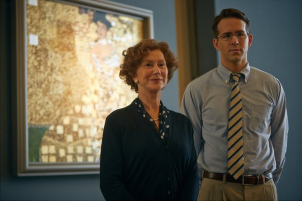 "Helen Mirren y Ryan Reynolds en ""Woman in Gold"".  Foto: Robert Viglasky / The Weinstein Company."