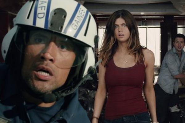 """Dwayne Johnson y Alexandra Daddario, con cara de sorprendidos en """"San Andreas"""".  Montaje: Joz Terra."""