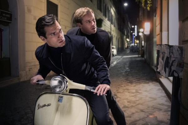 "Henry Cavill y Armie Hammer en ""The Man from U.N.C.L.E."".  Foto: Daniel Smith, Warner Bros. Entertainment Inc."
