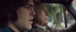 Arquímedes y su hijo Alejandro en el auto, mientras realizan un secuestro.