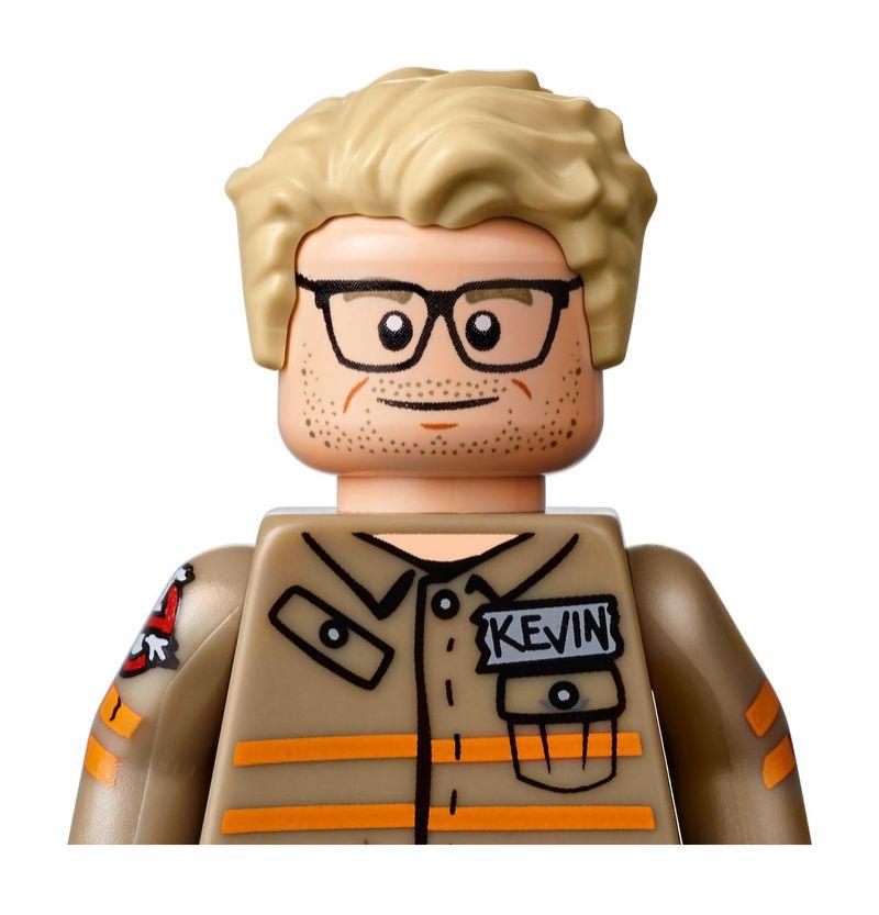 Kevin (Chris Hemsworth)