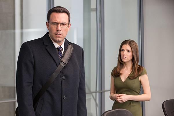 "Ben Affleck y Anna Kendrick protagonizan ""The Accountant"".  Foto: Chuck Zlotnick/Warner Bros. Entertainment."