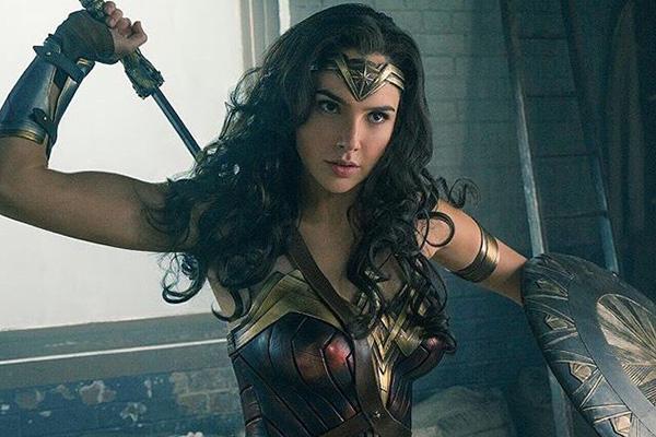Gal Gadot como Wonder Woman.